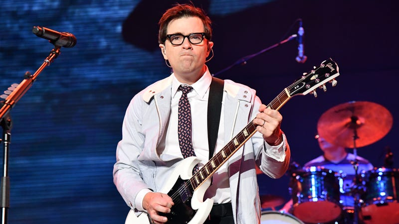 Illustration for article titled Rivers Cuomo's new surprise single is a cheerful request for co-dependency