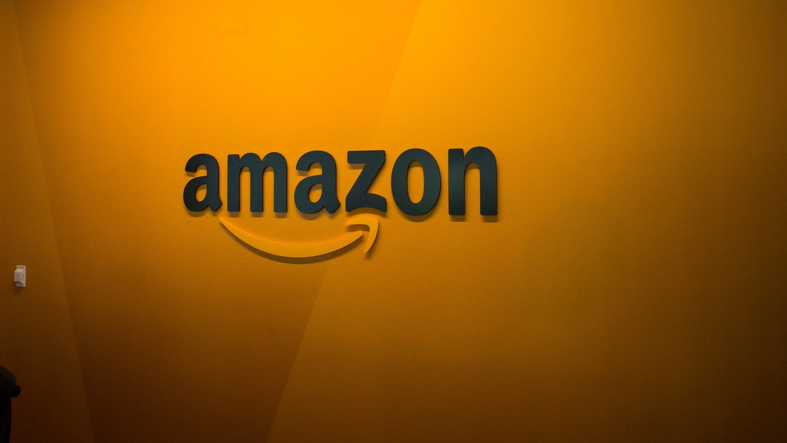 Test of Amazon's Face Recognition by Orlando Cops Ends as a Devastating Flop