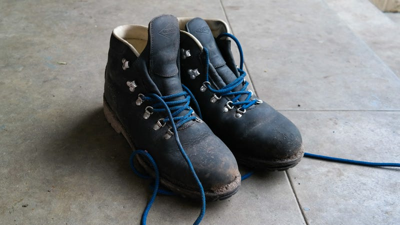 What Brand Shoes Does Bear Grylls Wear