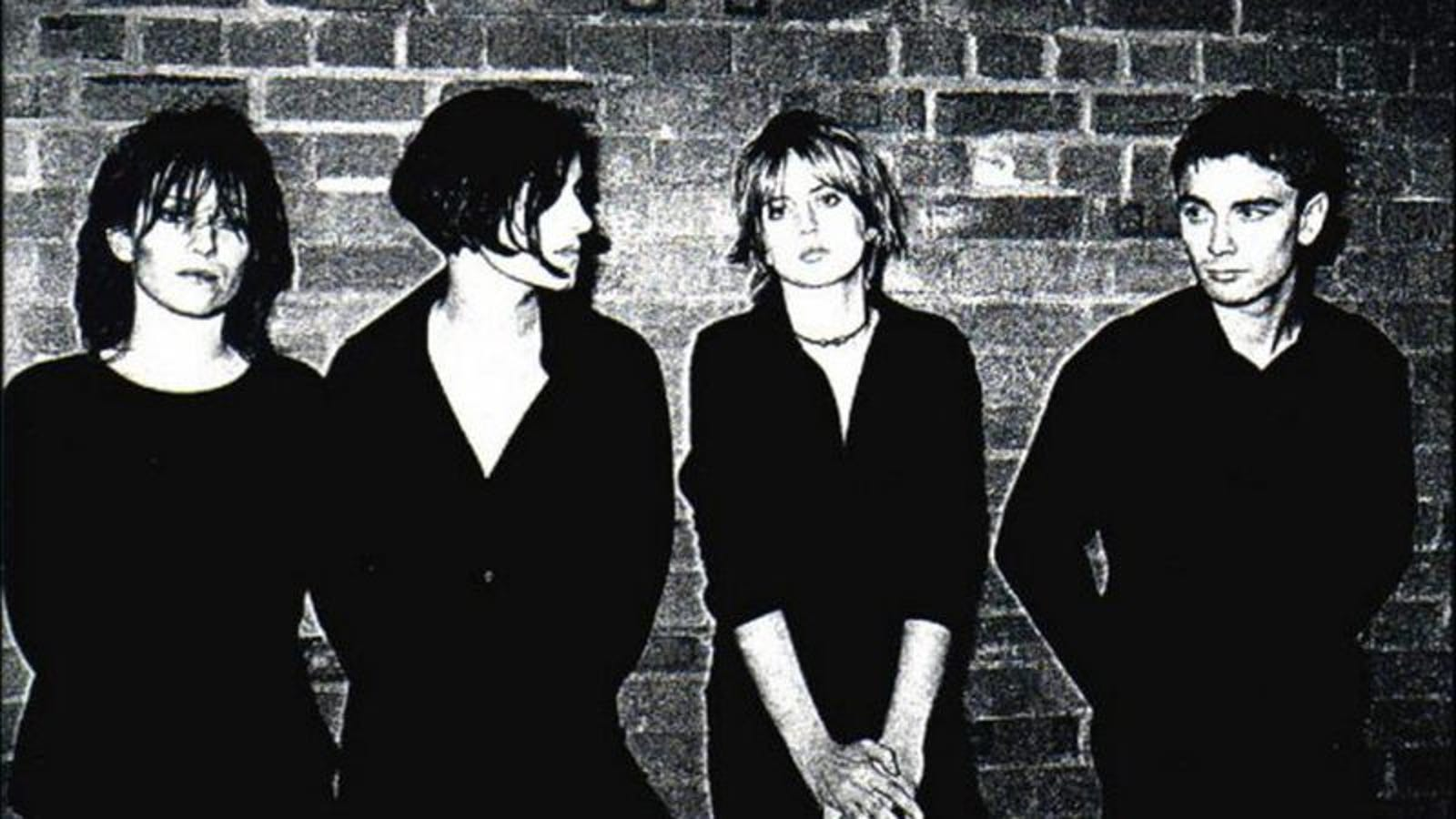 Elastica\'s debut stole from the best, embodying Britpop while ...