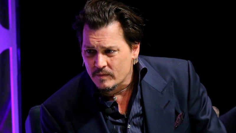 Illustration for article titled Johnny Depp Does Not Smell Bad, Says Johnny Depp