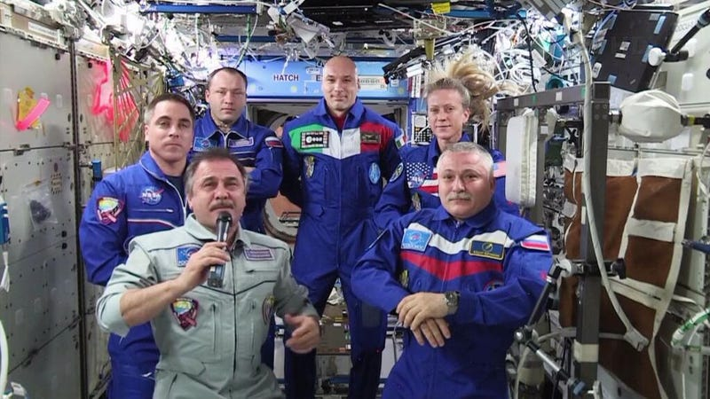 Illustration for article titled Expedition 36 handed over the International Space Station today