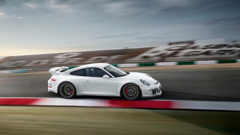 Illustration for article titled Holy Crap The Next Porsche 911 GT3 RS Might Have A Manual Gearbox