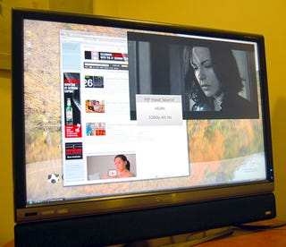 Illustration for article titled Gateway XHD3000 Extreme HD 30-Incher Reviewed (Verdict: Really Ties The Room Together)