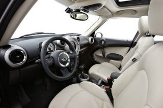 Illustration for article titled Mini Cooper Countryman: Interior Photos