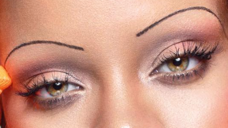 rihanna ushers in thin eyebrow trend on british vogue cover