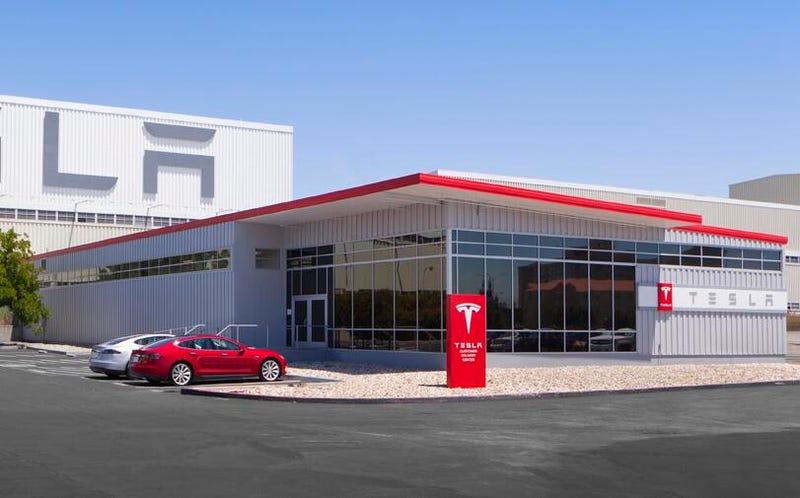 Illustration for article titled Tesla Can Do More Damage To Dealerships By Franchising