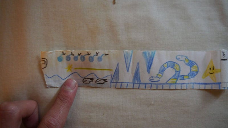"""Illustration for article titled When He Was Nine, This Guy Made A Terrific """"Game Boy"""" Out Of Paper"""