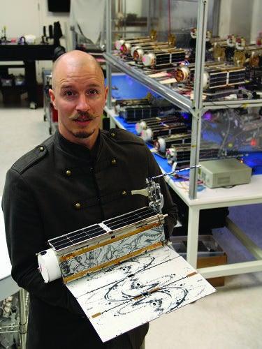 Illustration for article titled Microsatellite Art In Orbit