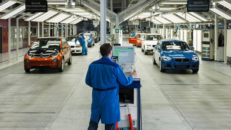 Illustration for article titled The First Volume Produced Carbon Fiber Cars Are Ready At BMW