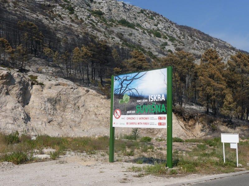 Illustration for article titled Az áram csak jön és megy – nyaralás és erdőtűz a Peljesac-félszigeten