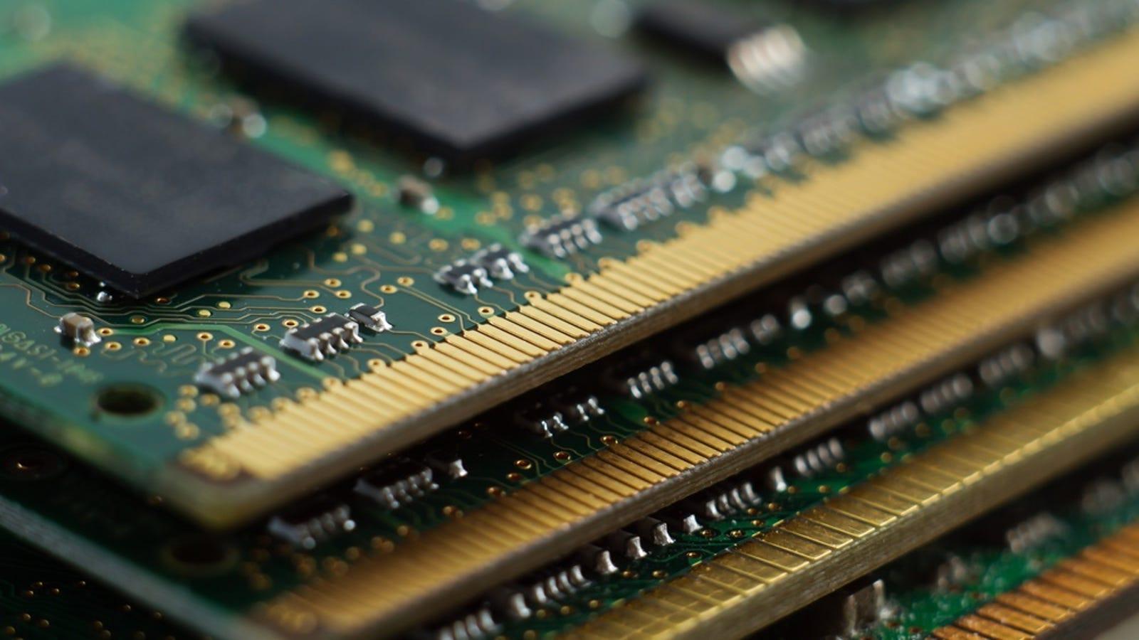 Cómo recuperar el oro de una memoria RAM con cianuro (y perder dinero en el proceso)
