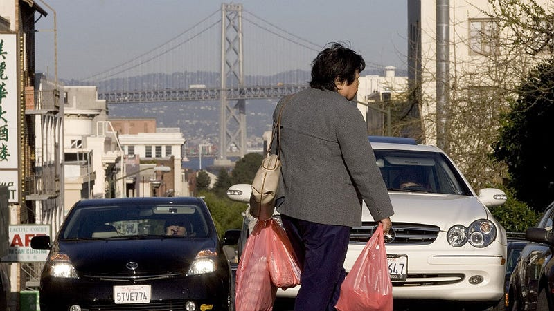 Illustration for article titled Don't Forget Your Canvas Tote: California Bans Plastic Bags