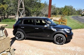 Illustration for article titled Mini Cooper Countryman Gets Base Price Of $22,350