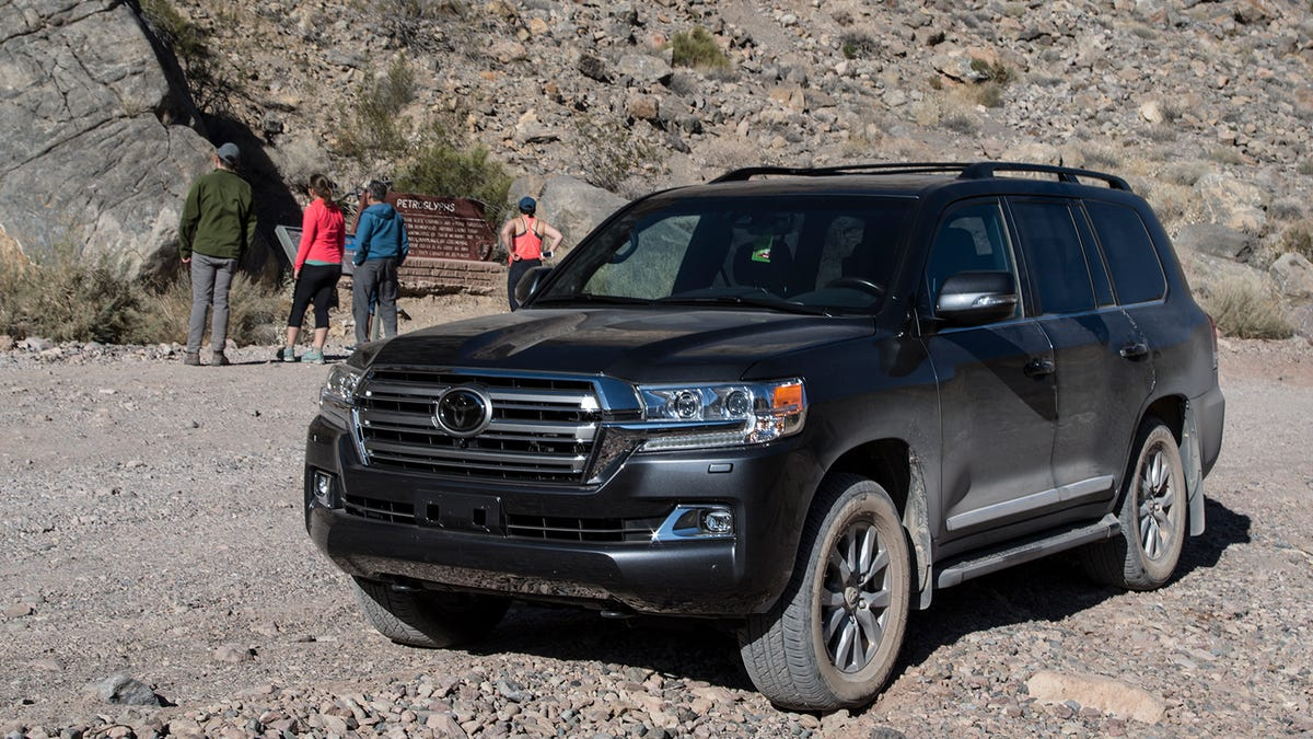 2018 Toyota Land Cruiser: News, Design, Specs, Price >> The 2018 Toyota Land Cruiser Bends The World To Its Will