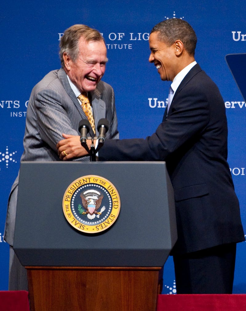 Illustration for article titled Obama, Bush 41 Team Up in Service Initiative