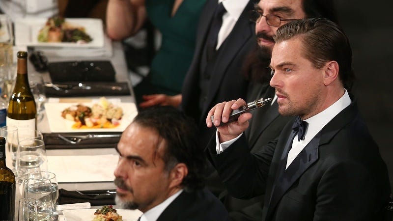 Illustration for article titled Here's Leonardo DiCaprio Vaping at the SAG Awards