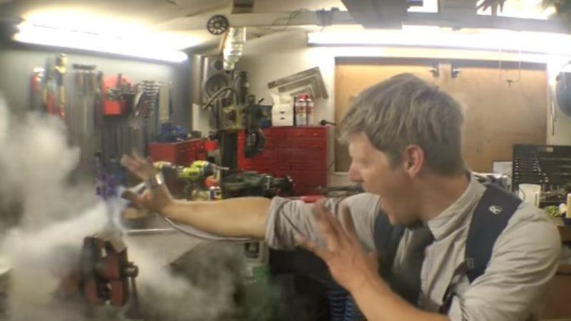 Screenshot: colinfurze/YouTube