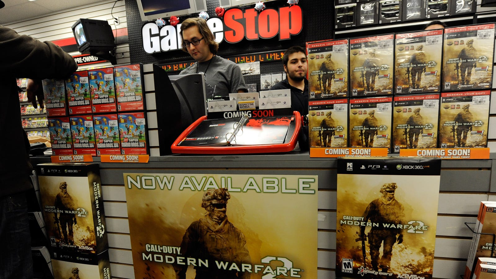 Bad Credit Credit Cards >> GameStop Customers' Credit Cards May Have Been Stolen ...