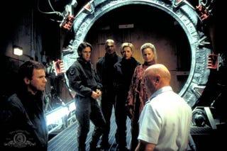 Illustration for article titled Stargate: SG-1 Rewatch - Season 2, Episode 3Prisonersand Episode 4The Gamekeeper