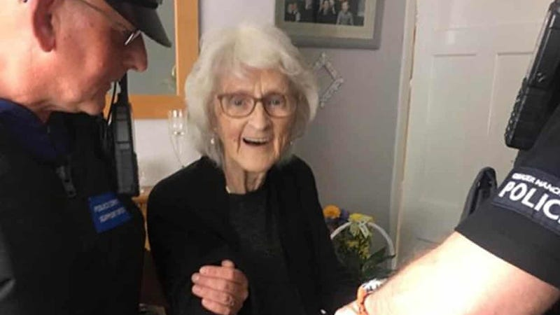 I Appreciate This 93-Year-Old Woman Who Tried to Get Herself Thrown in the Slammer as a Dying Wish