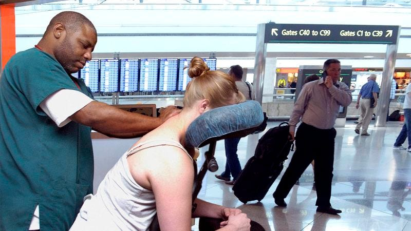 Illustration for article titled Report: Getting Massages At Airports Apparently Part Of Certain People's Lives