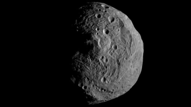 Illustration for article titled First Image of Asteroid Vesta Captured From Its Orbit