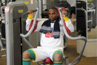 Illustration for article titled Benni McCarthy Dropped From South Africa's World Cup Squad For Being Too Fat