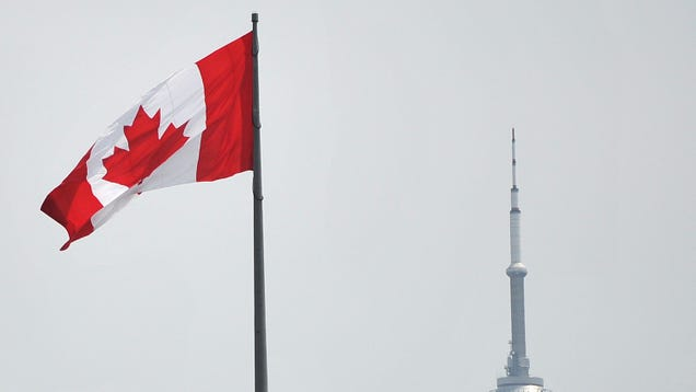 Canada Fines 2 Idiots Traveling From the U.S. $20,000 for Faking Their Vaccine Status and Covid-19 Tests