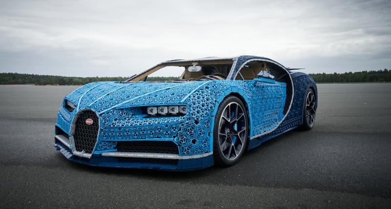 Illustration for article titled Lego construye su pieza más épica: un Bugatti Chiron a tamaño real manejable con más de un millón de piezas