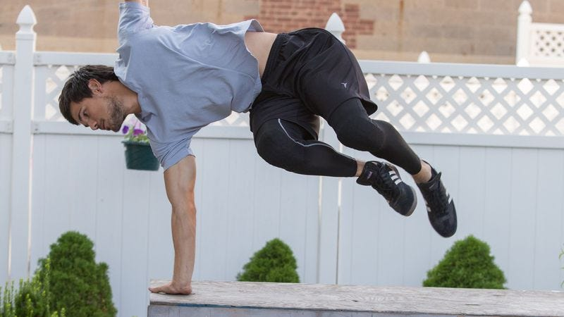 Illustration for article titled Tracers is reasonably fun… for a Taylor Lautner parkour movie
