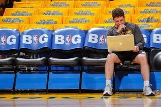 Illustration for article titled Report: Former Warriors Assistant Was Taping Conversations
