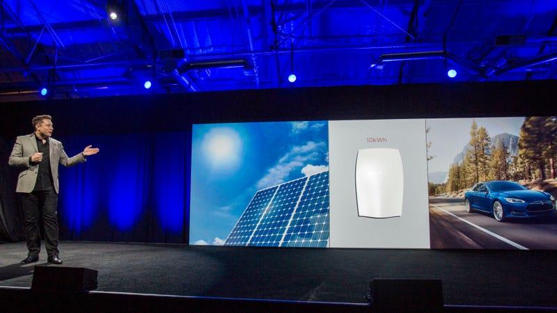 Elon Musk unveils Tesla's Powerwall in 2015