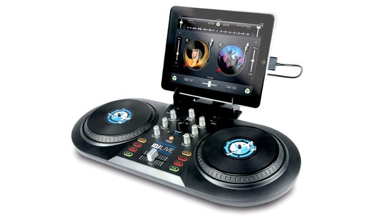 Illustration for article titled Numark iDJ Live Makes iPad DJing a Bit More Hands-On