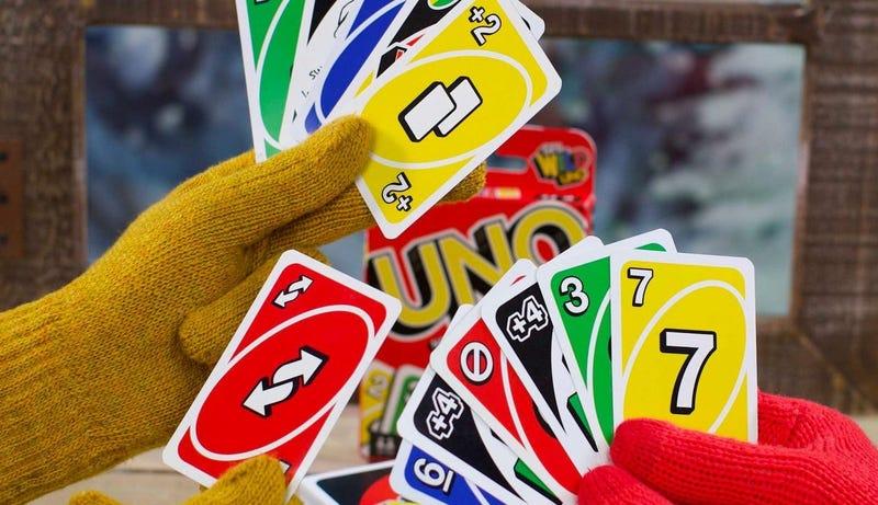 Illustration for article titled Los creadores de Uno confirman que sumar cartas de +4 y +2 es trampa