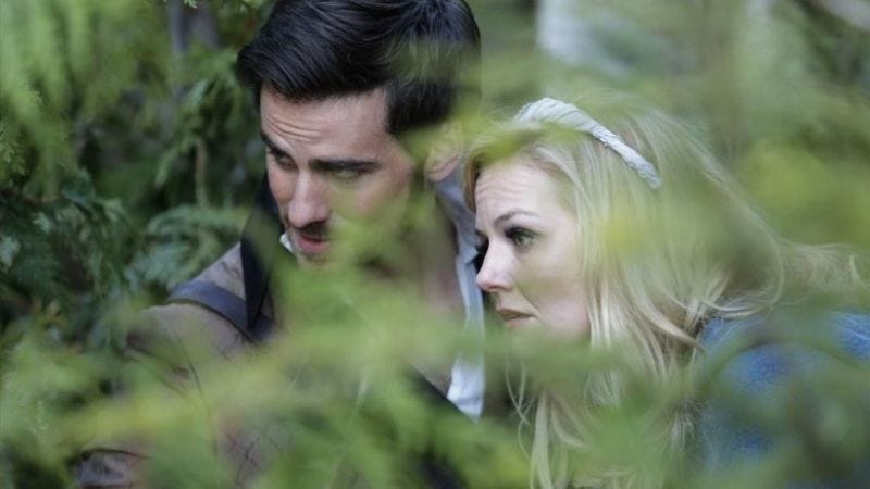 Hook and Emma head to the Enchantment Under The Sea ball (ABC)