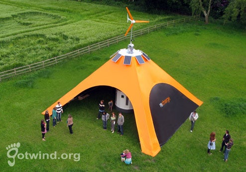 Glastonbury festivalgoers wonu0027t have to worry about not having enough juice in their cellphones thanks to U.K. mobile company Orangeu0027s green cellphone ... & Wind Solar Recharge Tent Keeps Phones Juiced at Glastonbury Festival