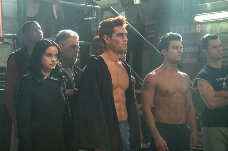 Illustration for article titled The bared-torso-per-minute ratio hits a new high on a particularly sweaty Riverdale