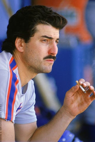 Illustration for article titled Keith Hernandez Chooses The Worst Possible Way To Describe Roberto Clemente