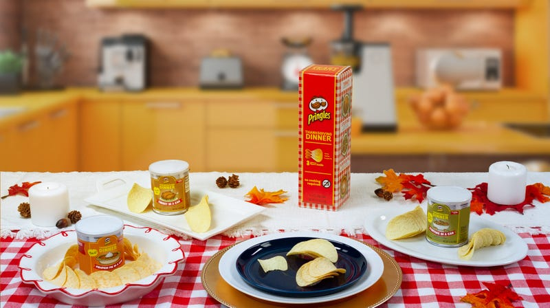 Illustration for article titled Pringles offers Thanksgiving dinner chips in turkey, stuffing, pumpkin pie flavors