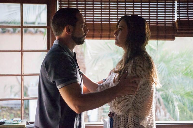 Matias Varela, Taliana Vargas (Photo: Juan Pablo Gutierrez/Netflix)