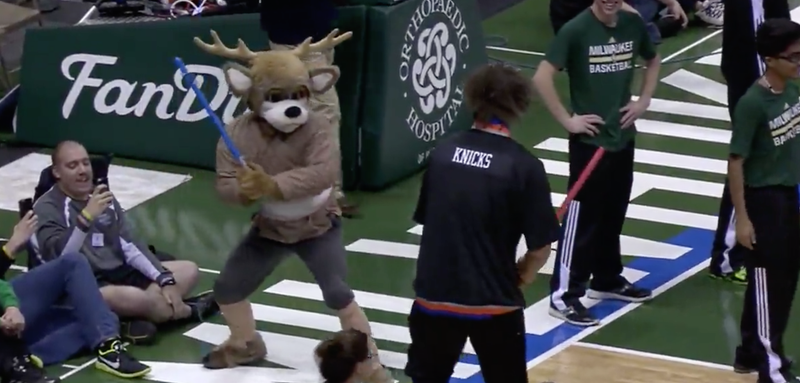 Illustration for article titled Robin Lopez Whoops Bucks Mascot In Lightsaber Fight