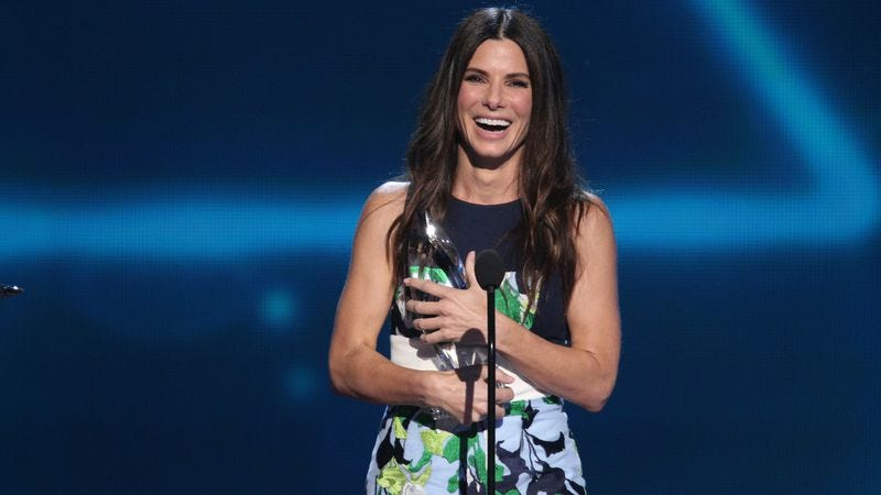 Illustration for article titled The People's Choice Awards proclaim Sandra Bullock the favorite actress of the people