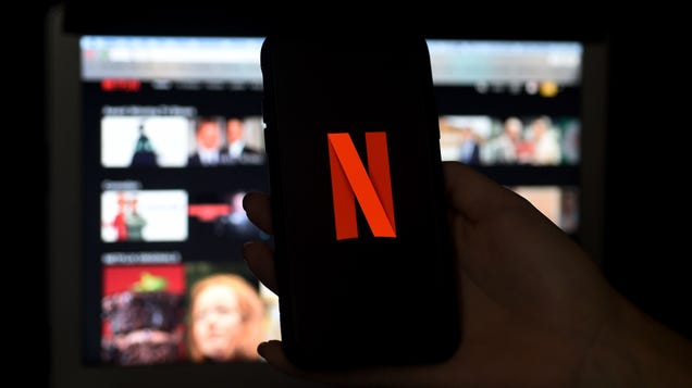 Netflix Finally Adds a Shuffle Play Feature for Those of Us With Decision Paralysis
