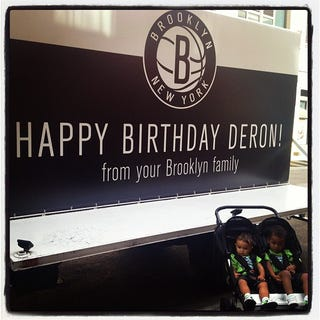 Illustration for article titled Nets Raise Their Offer To Deron Williams To A Birthday Party, Two Human Children