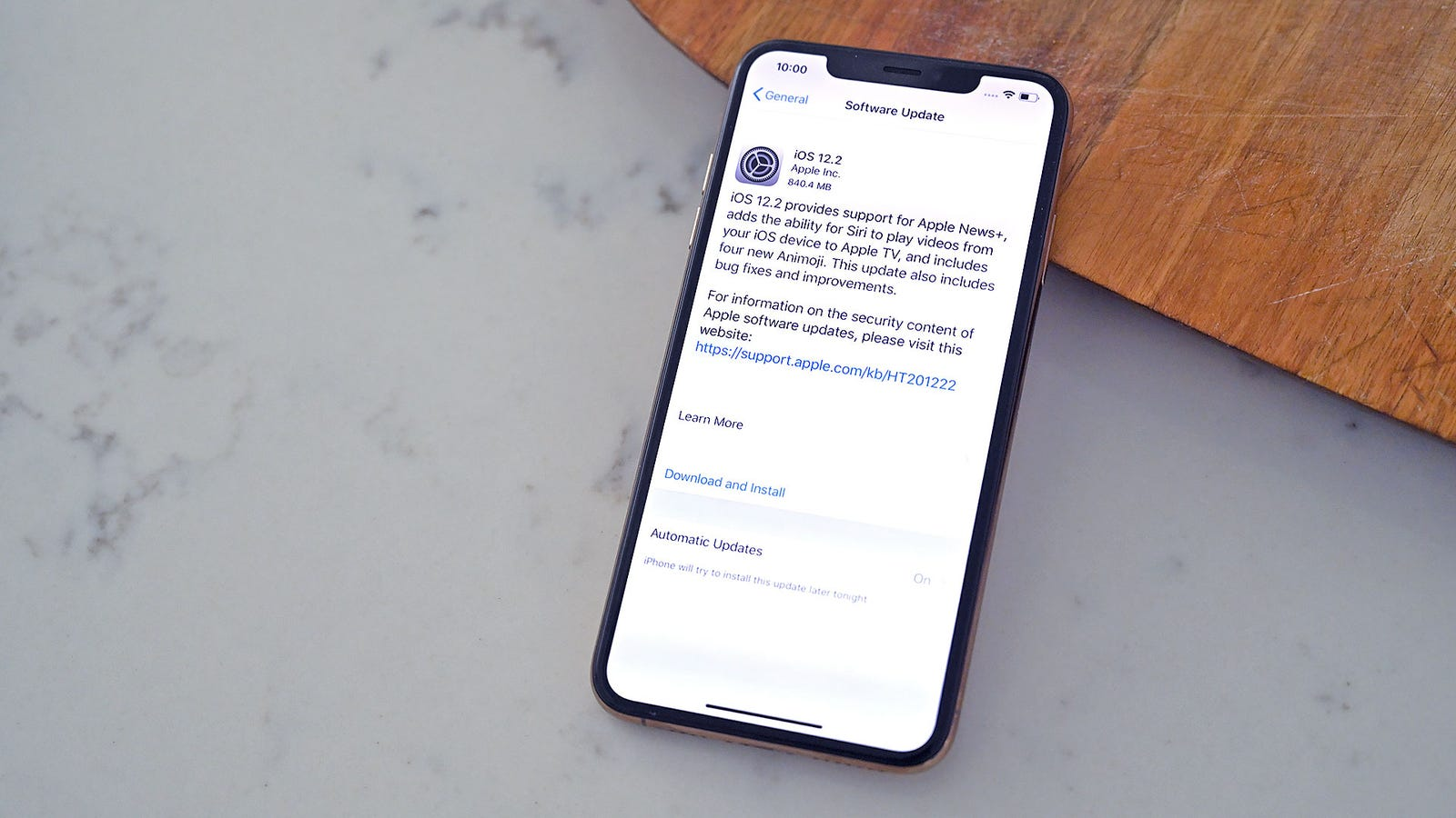 QnA VBage You Need to Update to iOS 12.2 Right Now to Fix More Than 50 Security Holes