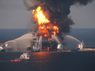 Illustration for article titled BP and Halliburton Knew Deepwater Disaster Cement Was Unstable, Report Says