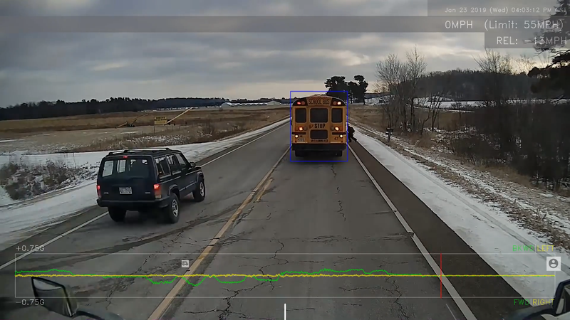 Illustration for article titled Asshole Jeep Driver Passes Stopped School Bus While Kid Is Crossing