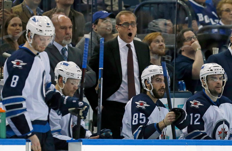 Illustration for article titled Jets Coach Paul Maurice Ejected By Laughing Ref