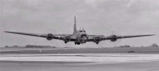 Illustration for article titled These B-17 Low-Level Passes Will Bring A Nostalgic Tear To Your Eye